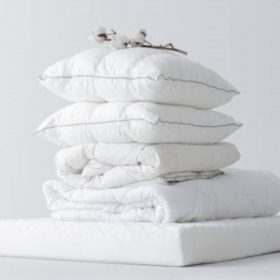 Kész takaró és párna angin