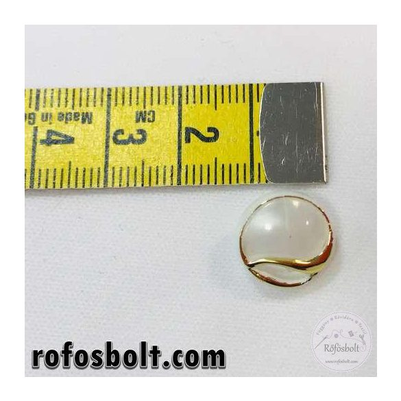 Gyöngyházszínű íves aranykeretes gomb