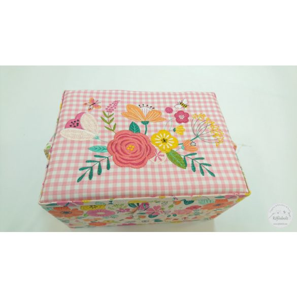 Tavaszi virágos varrós doboz